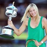 Les plus belles photos et vidéos de Maria Sharapova Th_44705_Offcourt_At_The_Australian_Open_2008_12_123_1022lo