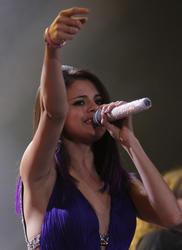 th 650809119 selena gomez 01 122 151lo Selena Gomez   Performs at Palacio de Los Deportes in Mexico City   01/26/12 (HQ)