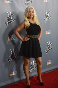 [Fotos+Videos] Christina Aguilera en la Premier de la 4ta Temporada de The Voice 2013 - Página 4 Th_985786133_Christina_Aguilera_17_122_335lo