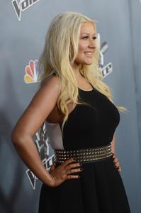 [Fotos+Videos] Christina Aguilera en la Premier de la 4ta Temporada de The Voice 2013 - Página 4 Th_985750535_Christina_Aguilera_10_122_555lo