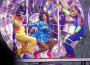 th_15206_RihannaperformsinAntwerp22.10.2011_42_122_561lo.jpg