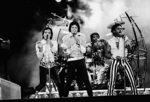1984 VICTORY TOUR  Th_754263807_7030107847_3c16675f20_b_122_71lo