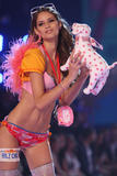 th_10507_fashiongallery_VSShow08_Show-448_122_777lo.jpg
