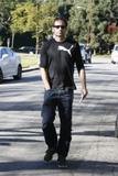 David em um almoço com um amigo no Avotre Sante em Brentwood - CA Th_42584_David_Duchovny_out_and_about_in_LA_CU_ISA_24_122_902lo